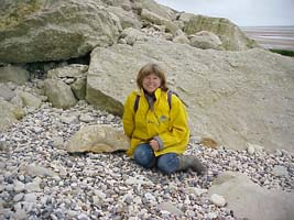 -Michèle next to a huge ammonite (18-05-2002)