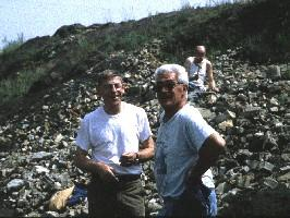 -Roger L. (left), Jean and Roger J. behind, as a convict. (06-06-1998)